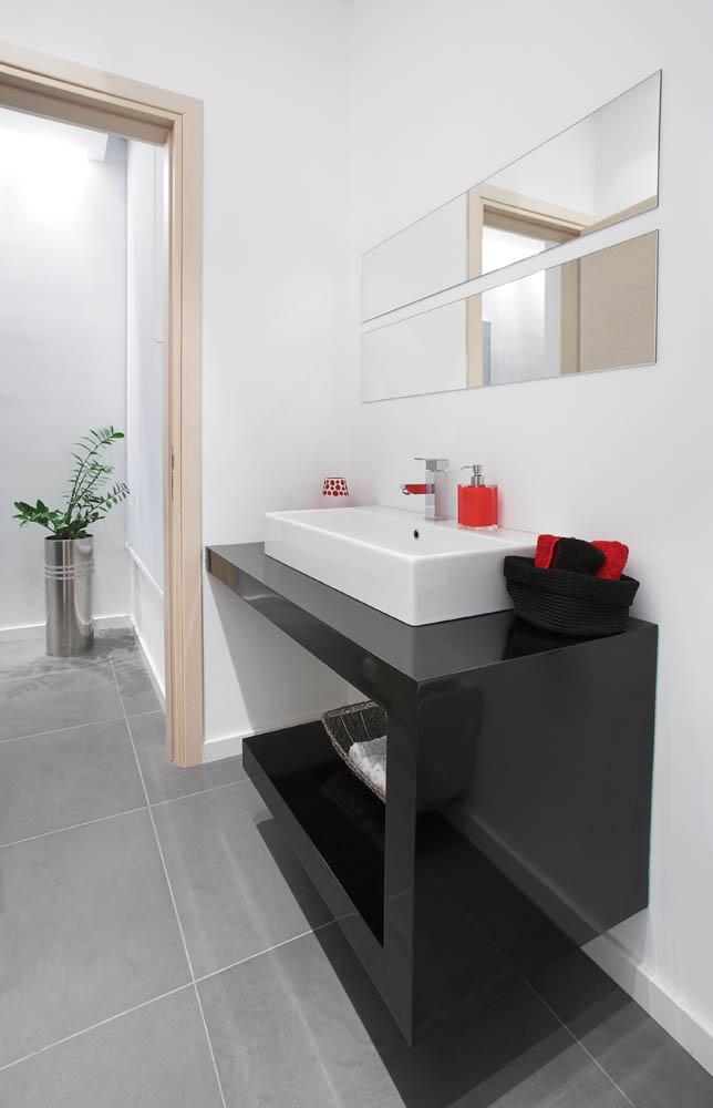Bathroom Shelve